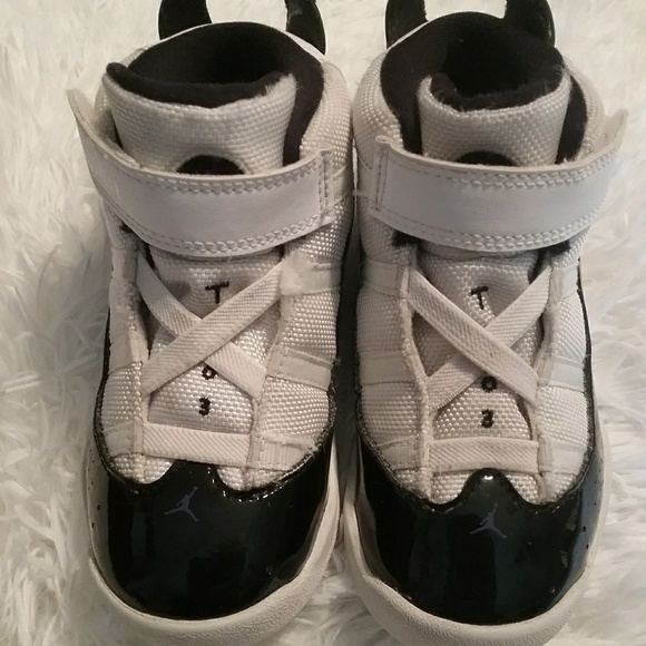 innovative design a316c f12b1 Jordans boys two 3 youth black and white sneakers